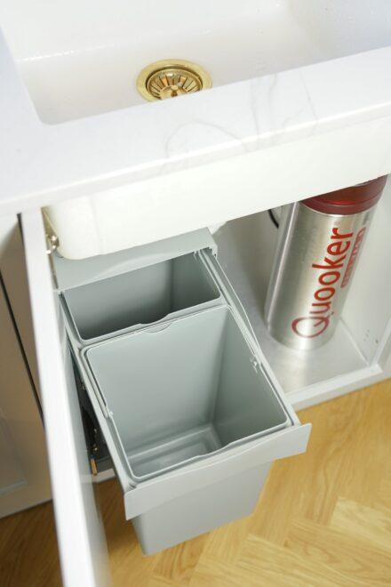 Affaldssystem til køkkenet med to sorteringsspande