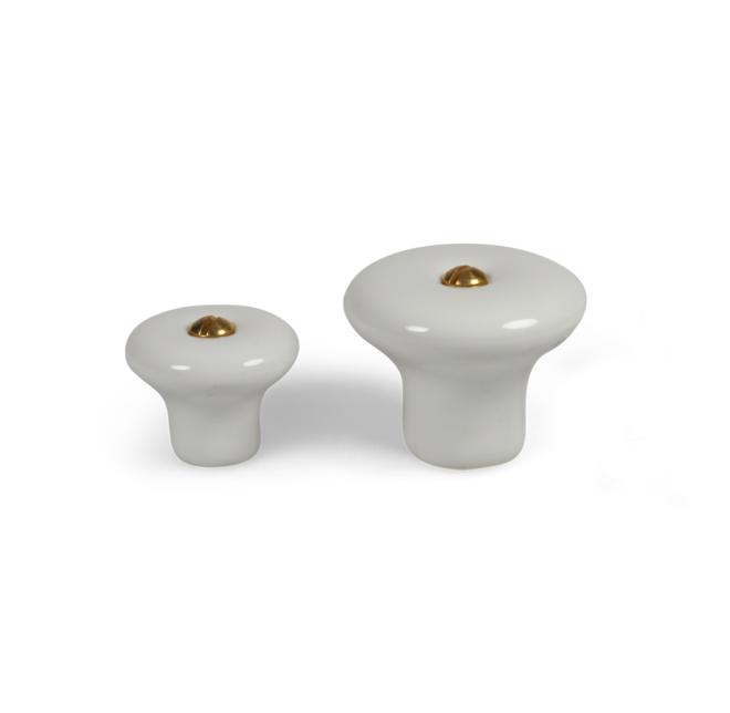 Lyngby - Klassisk porcelænsknop i hvid med skrue