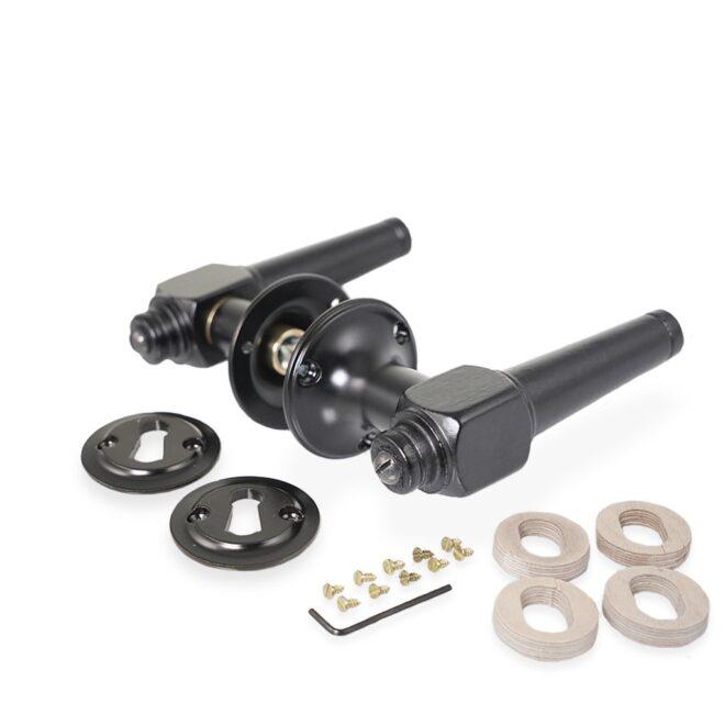 Dørgreb: Svanemølle dørhåndtag i sort træ inkl. roset og nøgleskilt i sortmalet messing