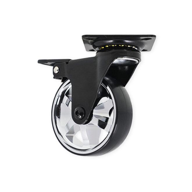 møbelhjul i blank laserskåret aluminium med sort hus og firkantet monteringsplade, med bremse.